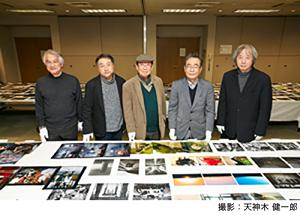 審査員:左から、石橋睦美、長倉洋海、田沼武能(審査委長)、前田利昭(『日本カメラ』編集長)、ハナブサ・リュウ(敬称略)