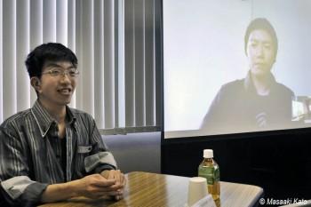 名取洋之助写真賞の高橋智史氏(右画面内)と奨励賞の中塩正樹氏(左)