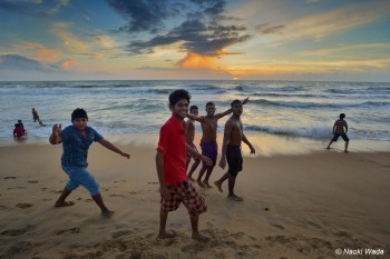 ネゴンボの海岸の日没。