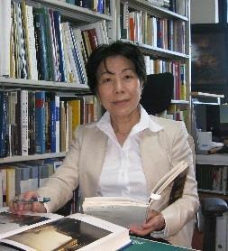 小林頼子(こばやしよりこ)目白大学メディア表現学科教授